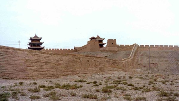 many parts of the great wall of china, like this photos shows, were built using rammed earth building techniques