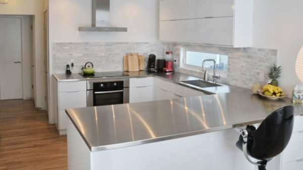 Stainless steel countertops just like restaurants, good value when looking for budget countertop materials