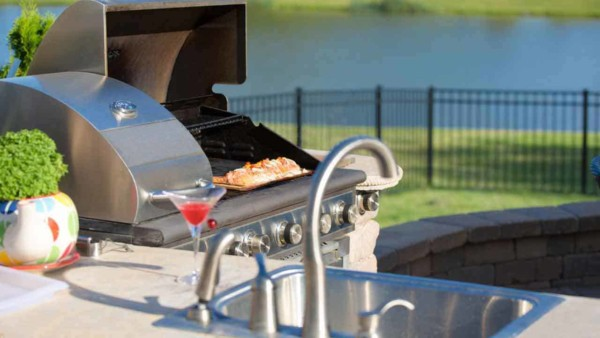 there are lots more outdoor kitchen ideas so you can plan for more than a grill & enjoy more time outdoors vs running in & out of the house