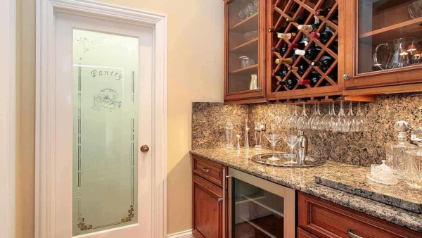 a butler pantry is perfect if you use your kitchen for entertaining ... a lot!