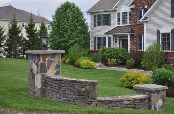 sometimes good neighbor fencing is more about landscaping for curb appeal without blocking views