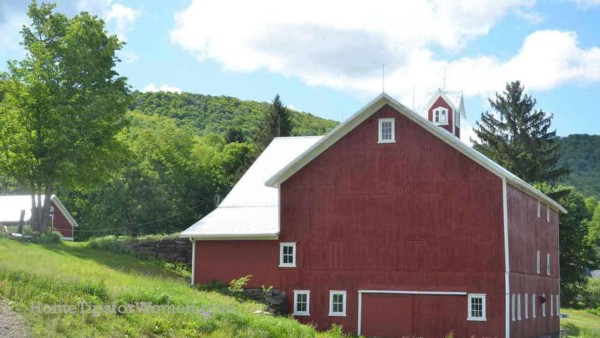 country barns dot the American landscape with most of them red