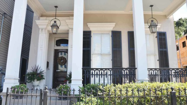 lots of beautiful columns & a great example of decorating with lanterns that also provide light so you can enjoy the details at night