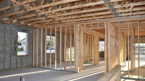 house framing done without insulation installed