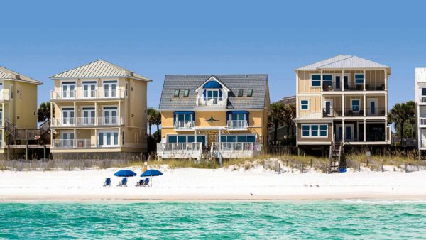 3 beachfront houses that have high flood risk due to rises in sea level or storm surges